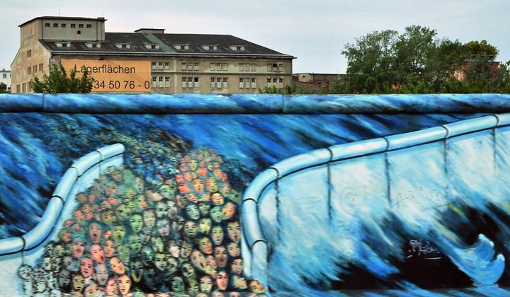 Queda do Muro de Berlim em um ano universal 9 Numerologia Aparecida Liberato